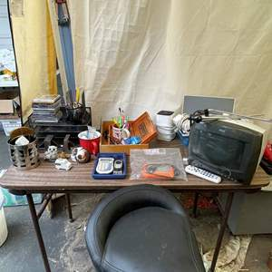 Lot # 542 - Office Supplies/ Stool