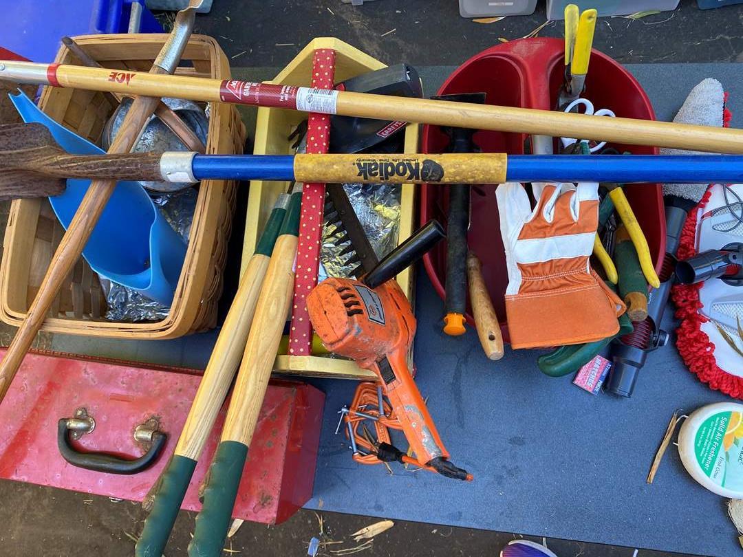 Lot # 615 - Gardening Tools (main image)