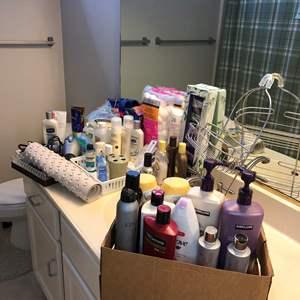 Lot # 22 - Bathroom Items including Lotions, Shampoos, Sunblock, Venus Blade Refills and More