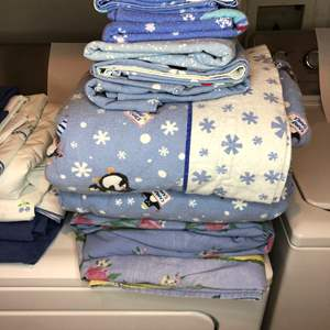 Lot # 25 - Full and Queen Size Sheets