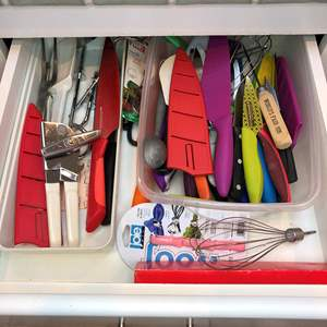Lot # 41 - 2 Drawers Full Of Kitchen Utensils,  Pure Komachi Knives and More