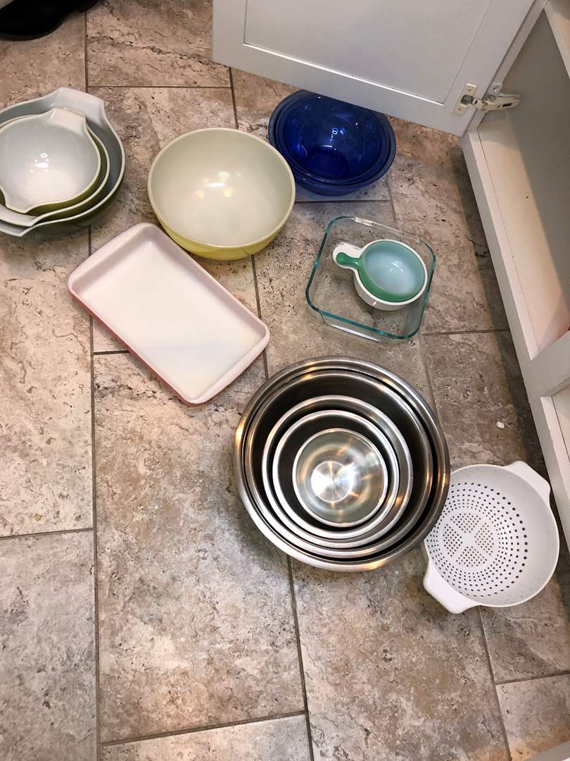 Lot # 43 - Cabinet Full of Pyrex Bowls, Stainless Steel Bowls and More  (main image)