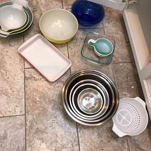 Lot # 43 - Cabinet Full of Pyrex Bowls, Stainless Steel Bowls and More