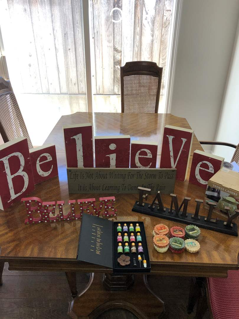 Lot # 45 - Yankee Candle Warmer with Candles, Essentials Oil and Signs (main image)