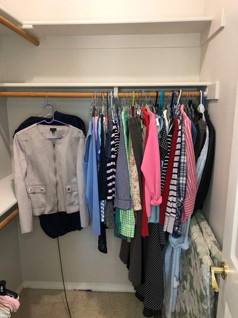 Lot # 51 - Fantastic collection of Women's Clothing  -sizes- s/m, 8/10 Hangers included (main image)