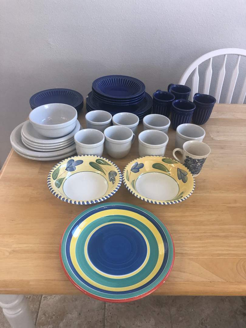 Lot # 70 - Dinnerware Dishes and Bowls (main image)
