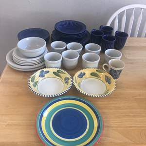 Lot # 70 - Dinnerware Dishes and Bowls