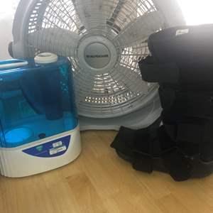 Lot # 82 - BIG FAN, Vicks Humidifier and Foot Brace
