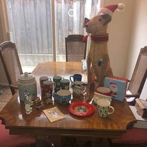 Lot # 88 - Lots of Christmas Decor, Lights and More