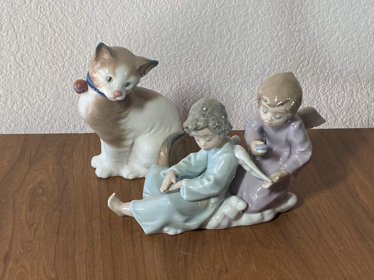 Lot # 604 - LLADRO - Two Pieces (main image)