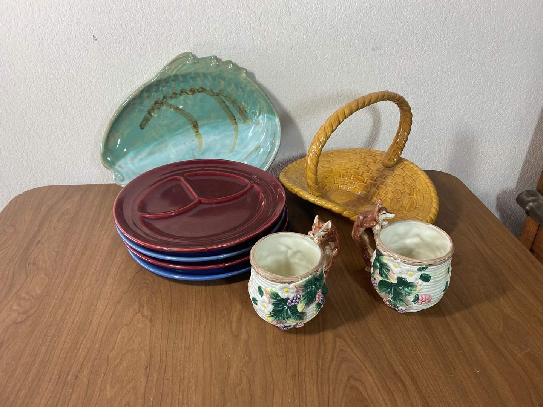 Lot # 606 - Vintage Pottery (main image)