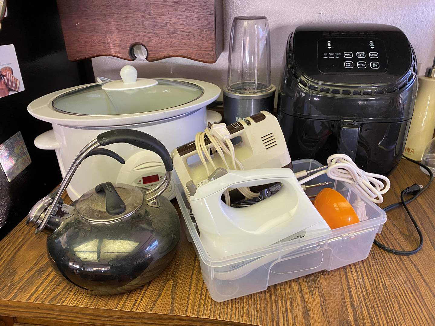 Lot # 699 - Small Kitchen Appliances (main image)