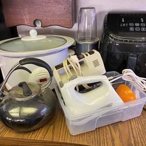 Lot # 699 - Small Kitchen Appliances
