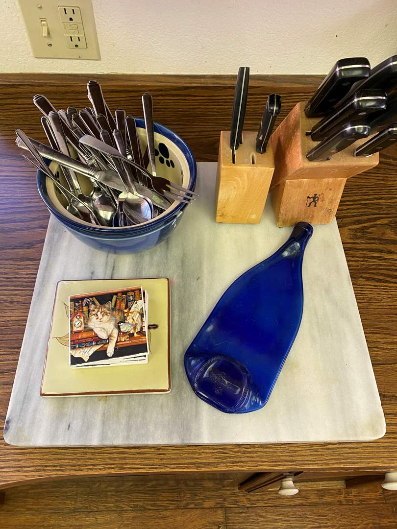 Lot # 700 - Marble Cutting Board with Knives, Flatware and Coasters (main image)