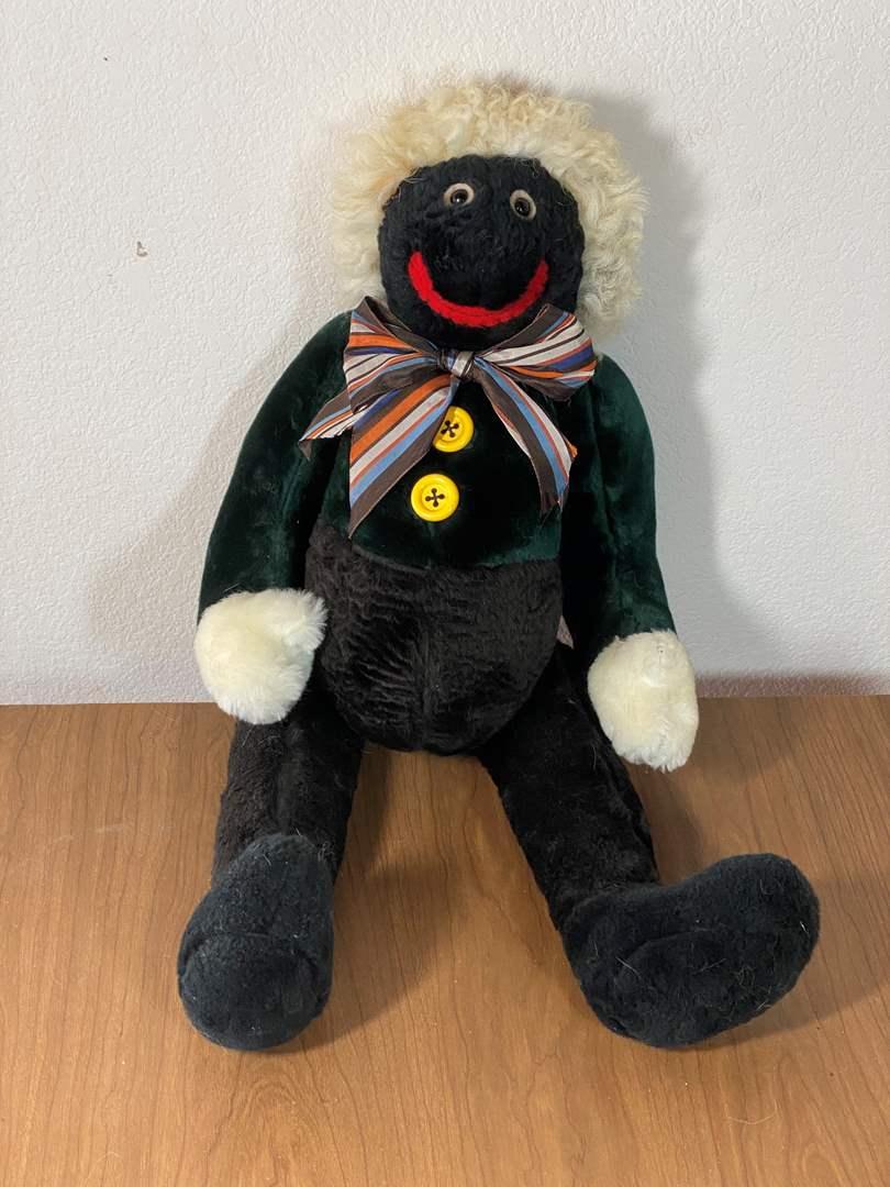 Lot # 715 - Vintage Bear (main image)