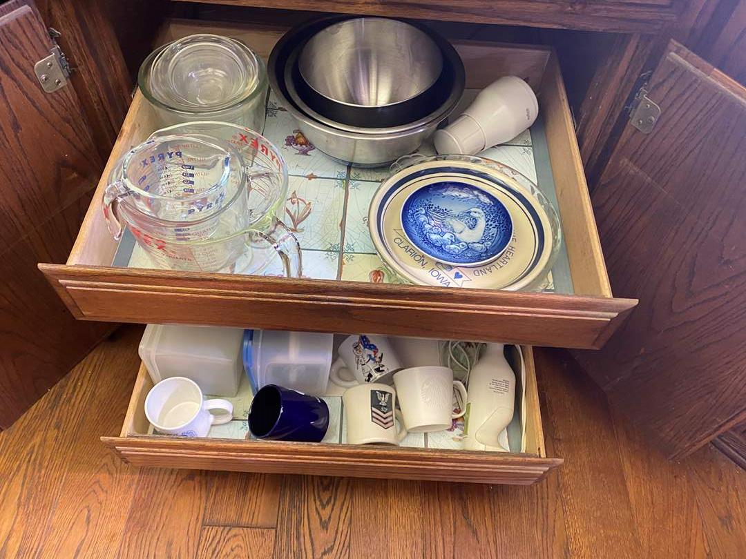 Lot # 608 - Pyrex Measuring Cups and More Kitchen Cupboard Goods (main image)