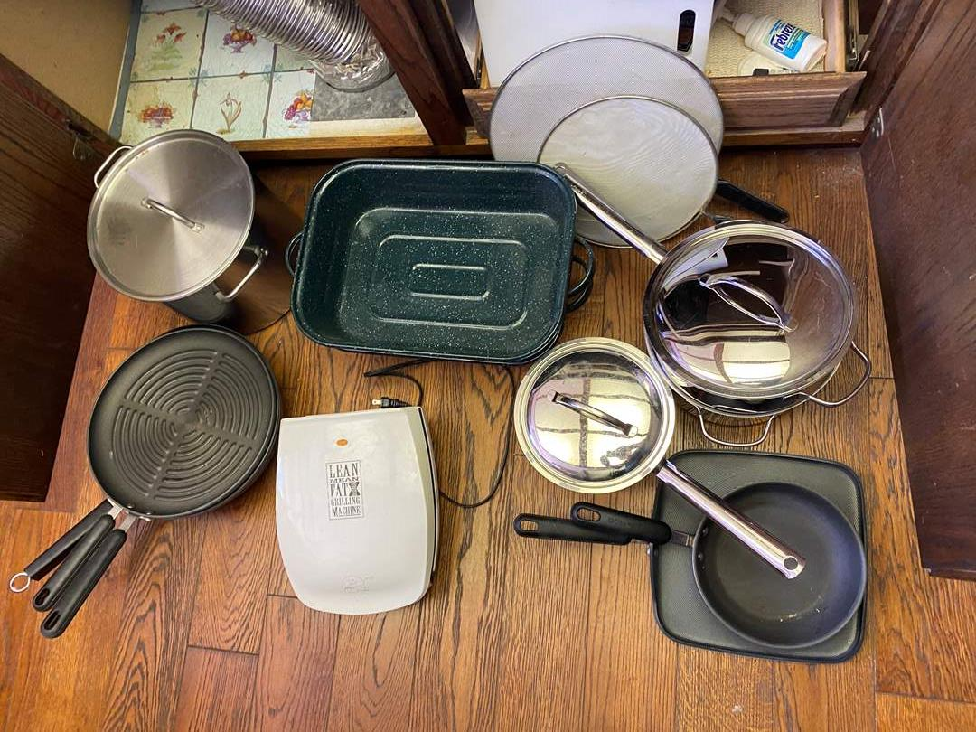 Lot # 713 - Pots, Pans and More (main image)