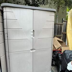 Lot # 732 - 6Ft Tall Rubbermaid Storage Shed
