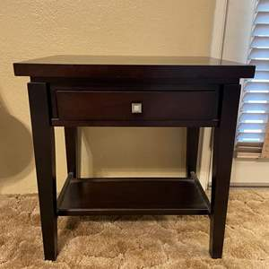 LOT # 3 - End Table With Drawer (Matches Lot# 2)