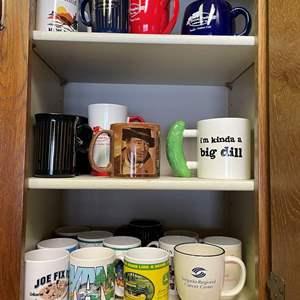 LOT # 31 - Assortment of Coffee mugs