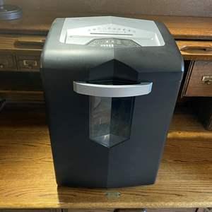 LOT # 86 - Ativa Pro 1800 Paper Shredder