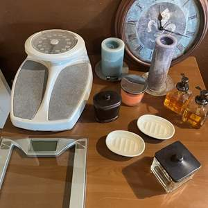 LOT # 106 - Weight Scales/ Bathroom Decor