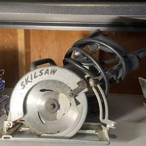 LOT # 156 - Skilsaw Professional Circular Saw, Cutting Blades