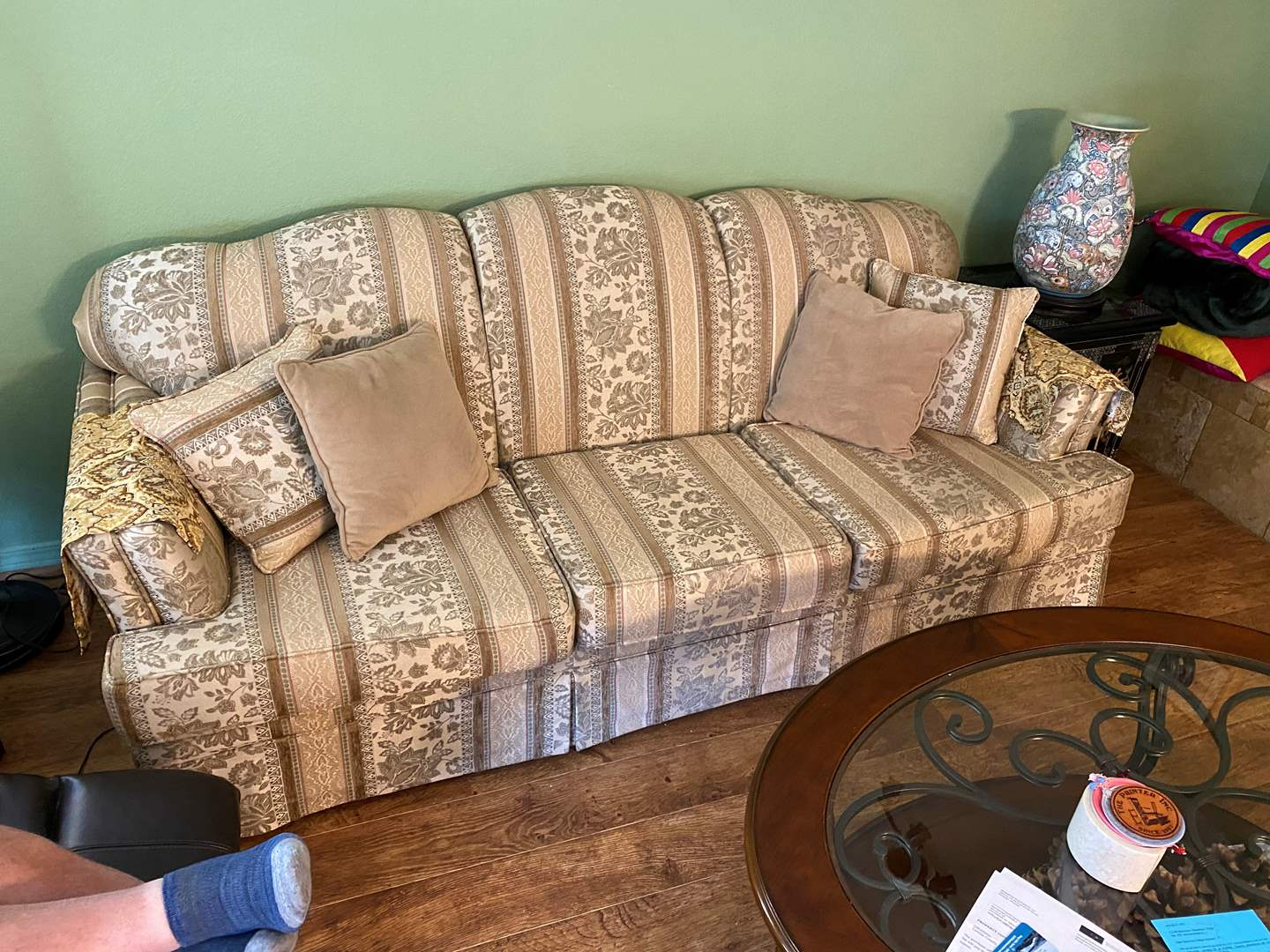 Lot # 4 - Couch 6ft Long (main image)