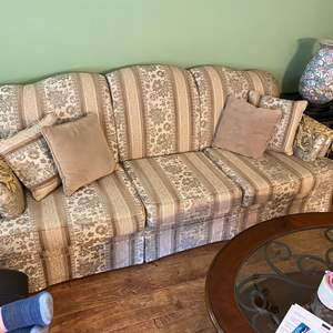 Lot # 4 - Couch 6ft Long