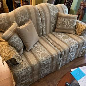 Lot # 5 - Love Seat - Match Couch
