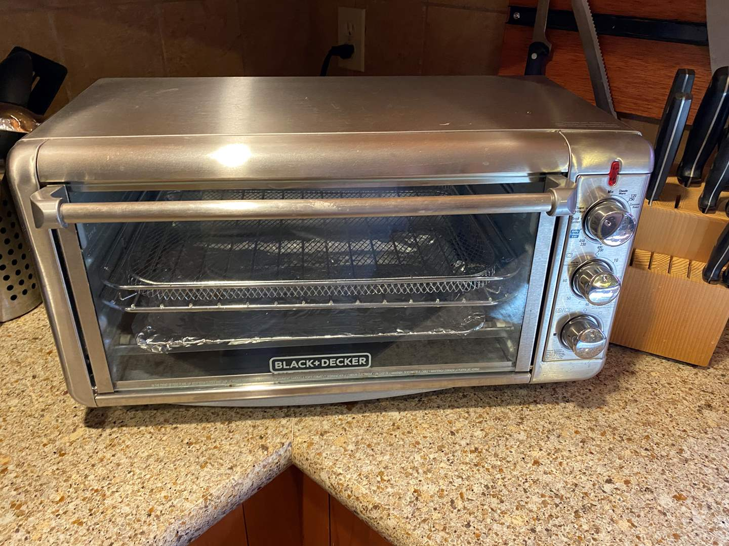 Lot # 9 - Counter Top Oven (main image)