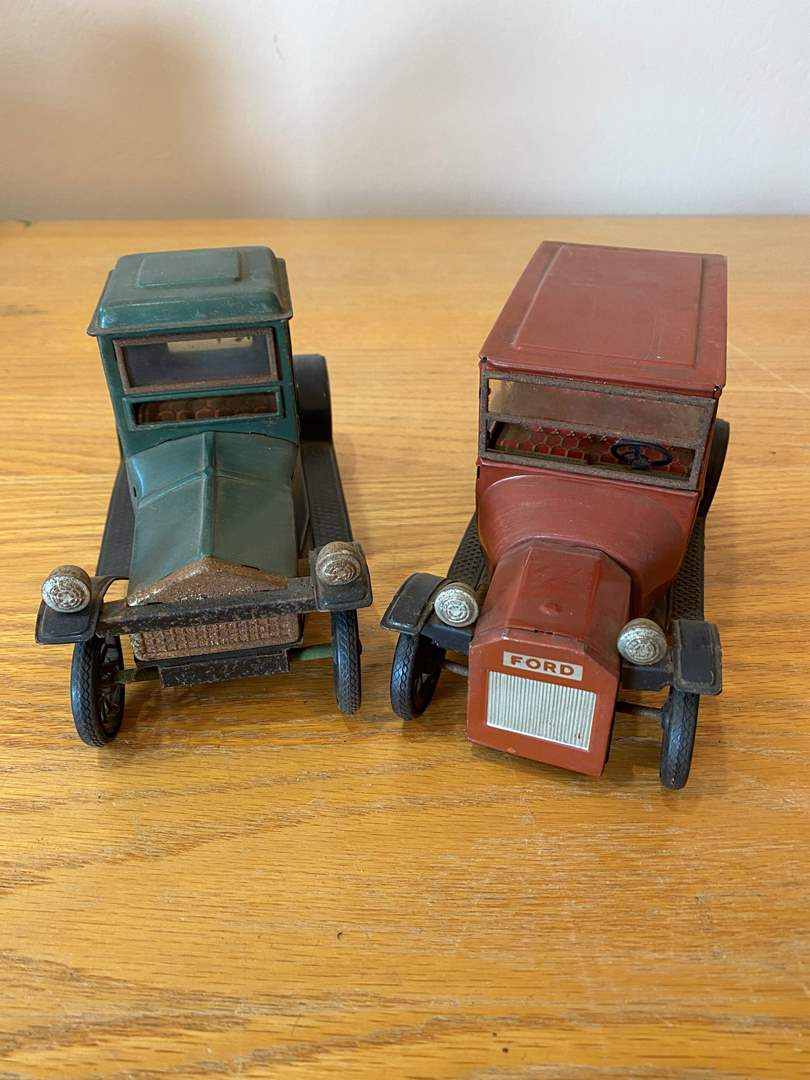 Lot # 2 - Japanese Toy Cars (main image)