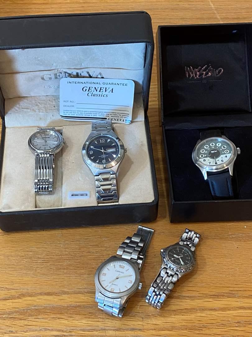 Lot # 24 - Men's Watches (main image)