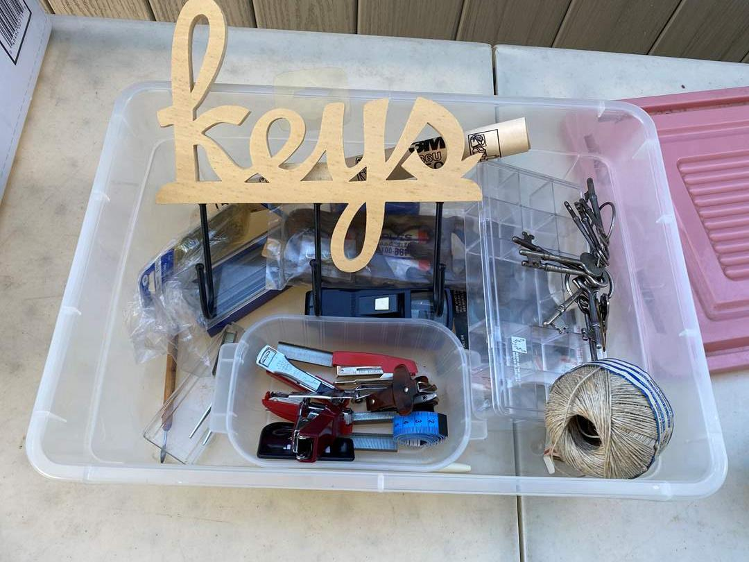 Lot # 13 - Vintage Keys and Misc Items (main image)
