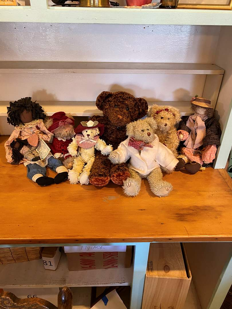 Lot # 10 - Collection of Bears (main image)