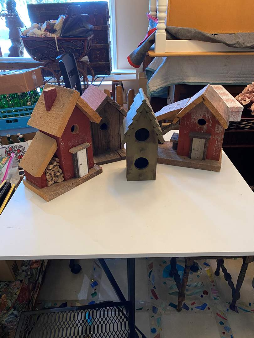Lot # 18 - Bird Houses (main image)