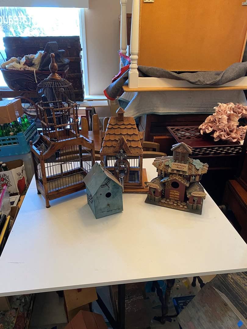 Lot # 19 - Bird Houses (main image)