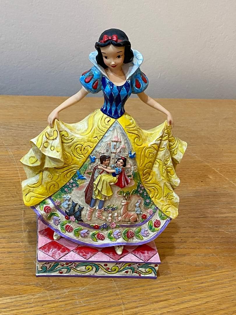 Lot # 183 - Disney Snow White - Scouts Pack 214 Fund Raiser (main image)