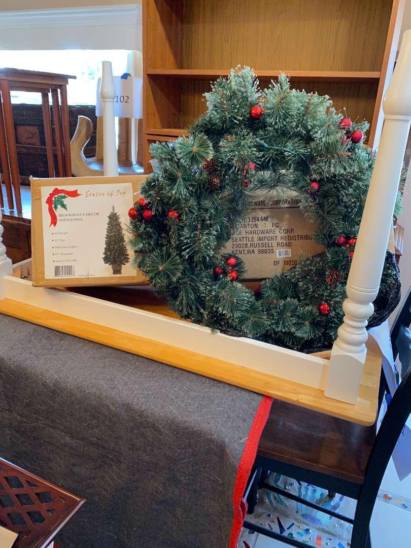 Lot # 112 - Christmas Tree and Wreath (main image)