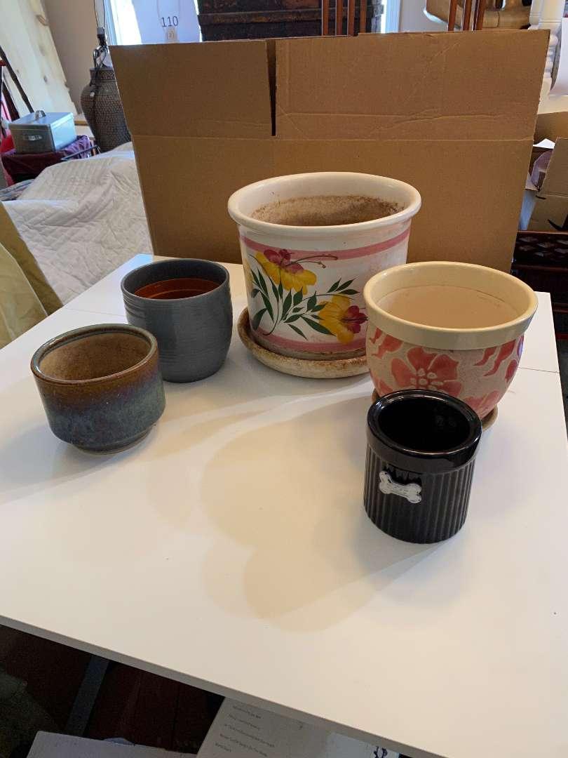 Lot # 120 - Ceramic Pots (main image)