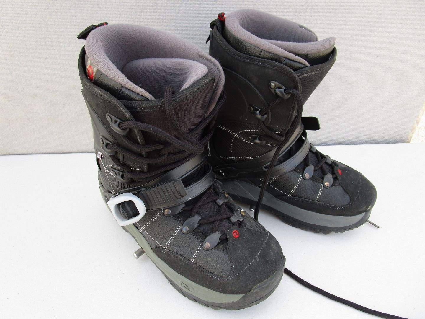 Lot # 69 - Rossignol Snow Board Boots - Size 10 (main image)