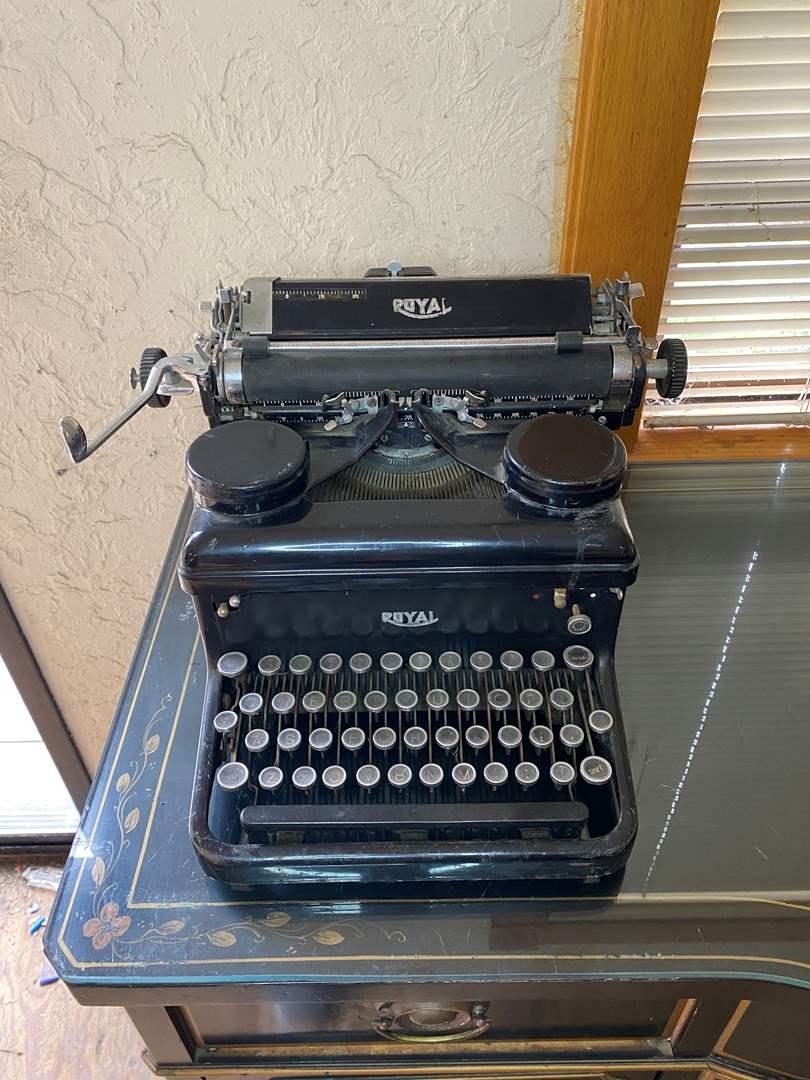 Lot # 2 - Royal Typewriter  (main image)