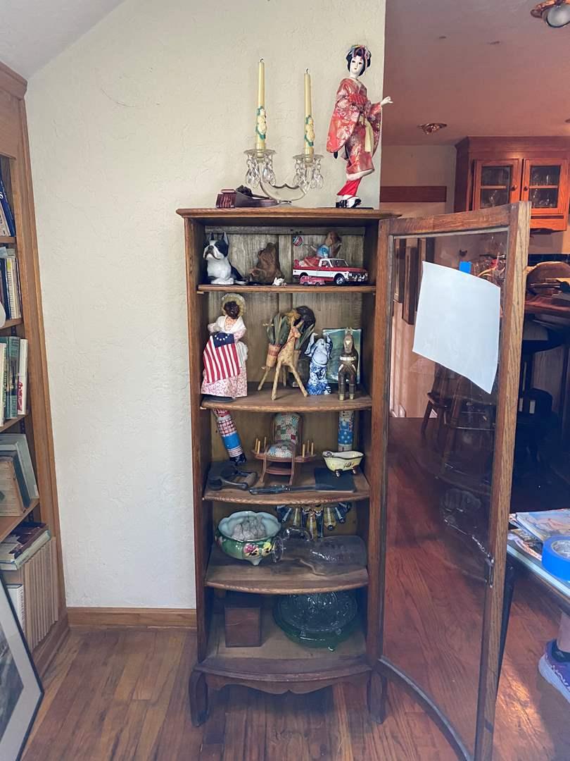 Lot # 156 - Vintage Decor Items (main image)