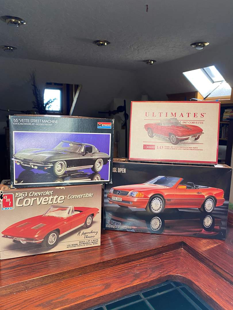 Lot # 169 - Model Cars (main image)