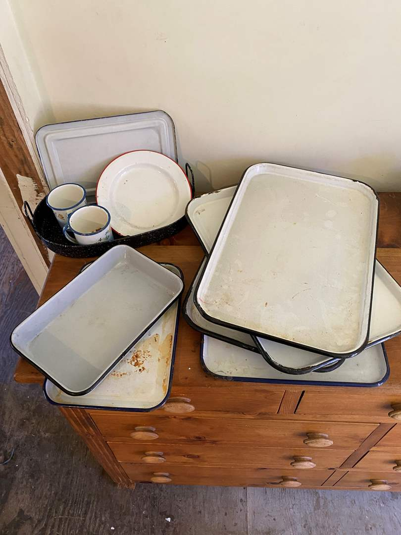 Lot # 57 - Enamelware Trays, Refrigerator Dish and Other Items (main image)