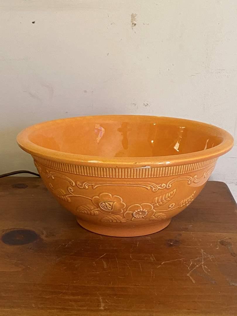 Lot # 64v- Homer Laughlin Mixing Bowl (main image)