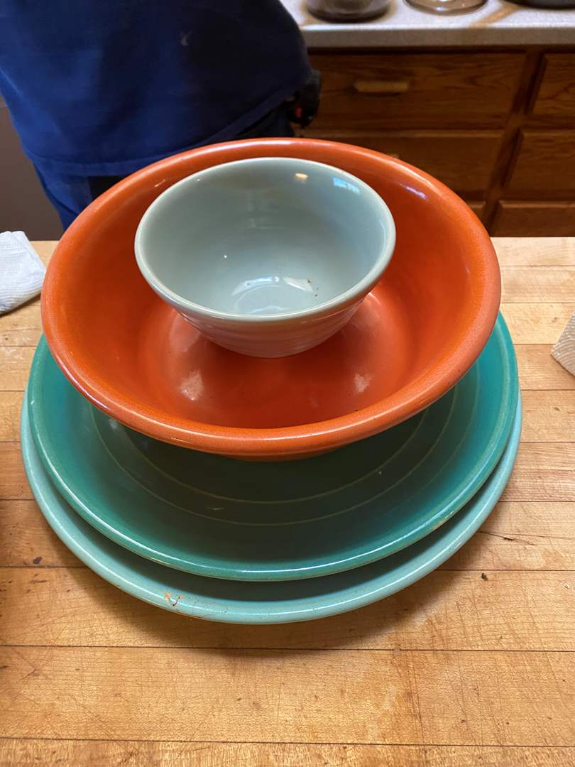 Lot # 78 - Bauer Ringware Bowl, Bauer Plainware Pudding Dish & Two Bauer Chargers (main image)