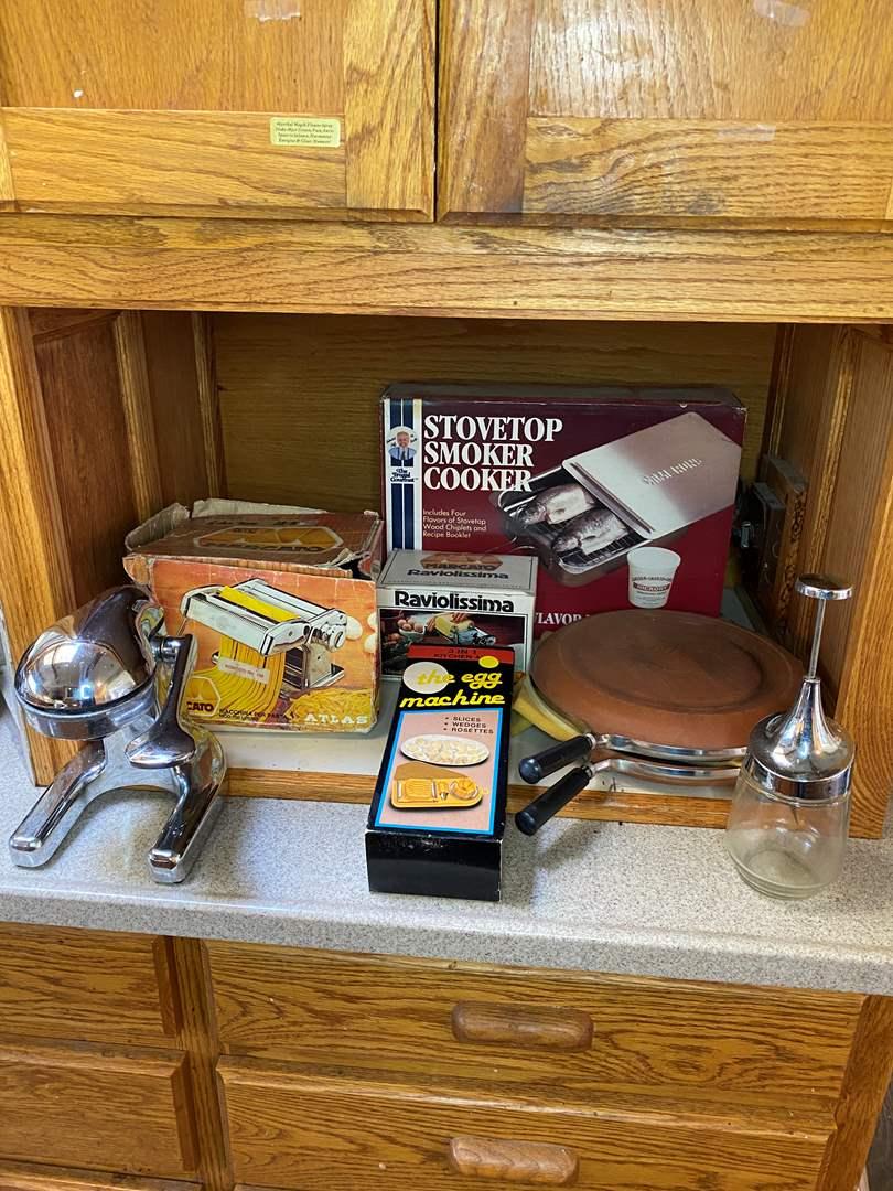 Lot # 86 - Kitchen Appliances (main image)