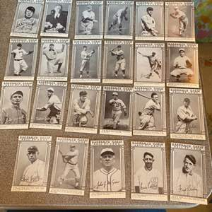 Lot # 28 - Baseballs Great Hall of Fame trading cards