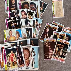 Lot # 94 - 1977 complete set of Topps jumbo basketball cards